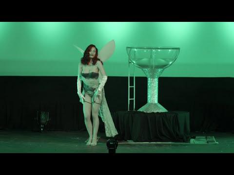 Sabra Johnsin - Moulin Rouge