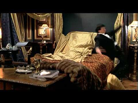 The Tuxedo - Trailer