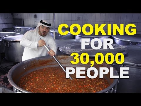 COOKING FOR 30,000 PEOPLE