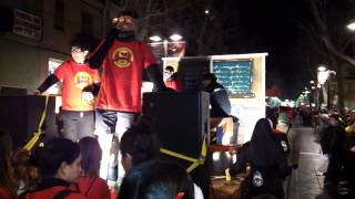 preview picture of video 'Sergi Pérez from 'Bordegassos' sings 'Soy Minero' - Carnival, Vilanova i la Geltrú 2013'
