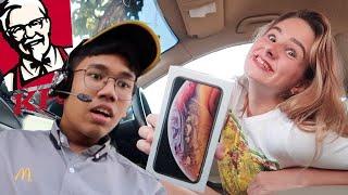 แจกไอโฟนให้กับพนักงาน KFC!!! พนักงานร้องไห้!! แจกรถให้ผู้ชม!!
