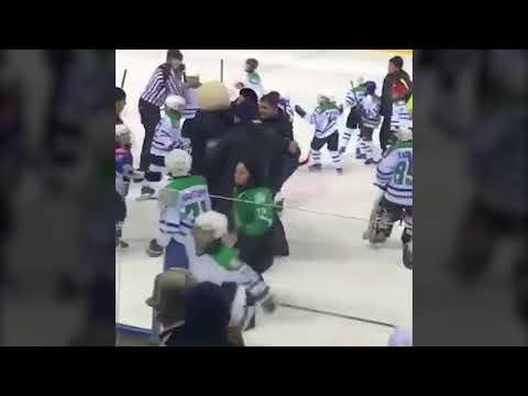 Массовая драка 9-летних хоккеистов на турнире в Башкортостане видео