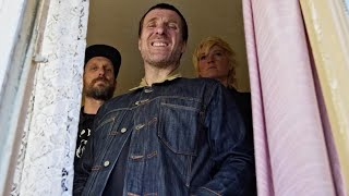"Sleaford Mods – ""Mork n Mindy"" (feat. Billy Nomates)"