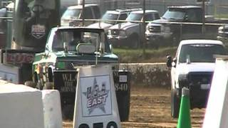 preview picture of video 'Mercer Raceway Park truck pulls 5/30/2011 R.W.Y.B. Part 1'