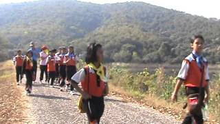 preview picture of video 'เดินทางกลับค่ายลูกเสือ'