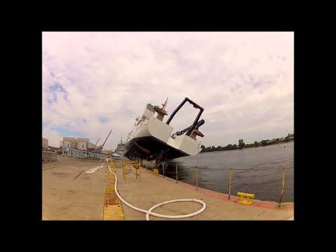 Ship Launch Fail with big wave