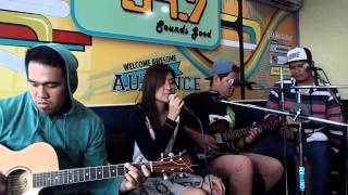 """IKTUS covers """"When I Met You"""" , an Apo Hiking Society original live on Mellow 94.7 Stage 1"""