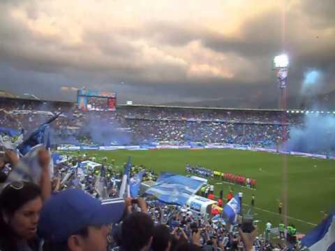 """""""Sale Campeón -  Final Millonarios Dic 16 de 2012"""" Barra: Comandos Azules • Club: Millonarios • País: Colombia"""