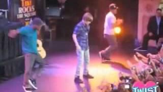 Justin Bieber 'Bigger' LIVE @ Hard Rock Cafe   Sep 24th 2009