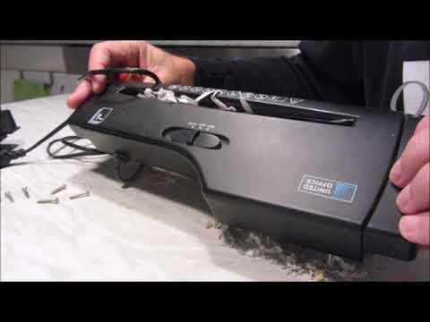 Aktenvernichter-Papierschredder mit Streifenschnitt - Papierstau beheben