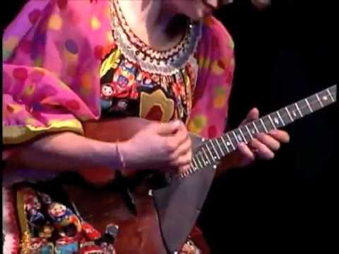 Балалайка музыка смесь - Balalaika(instrument) mix  - Música folclórica Rusa - Trio Barynya.wmv
