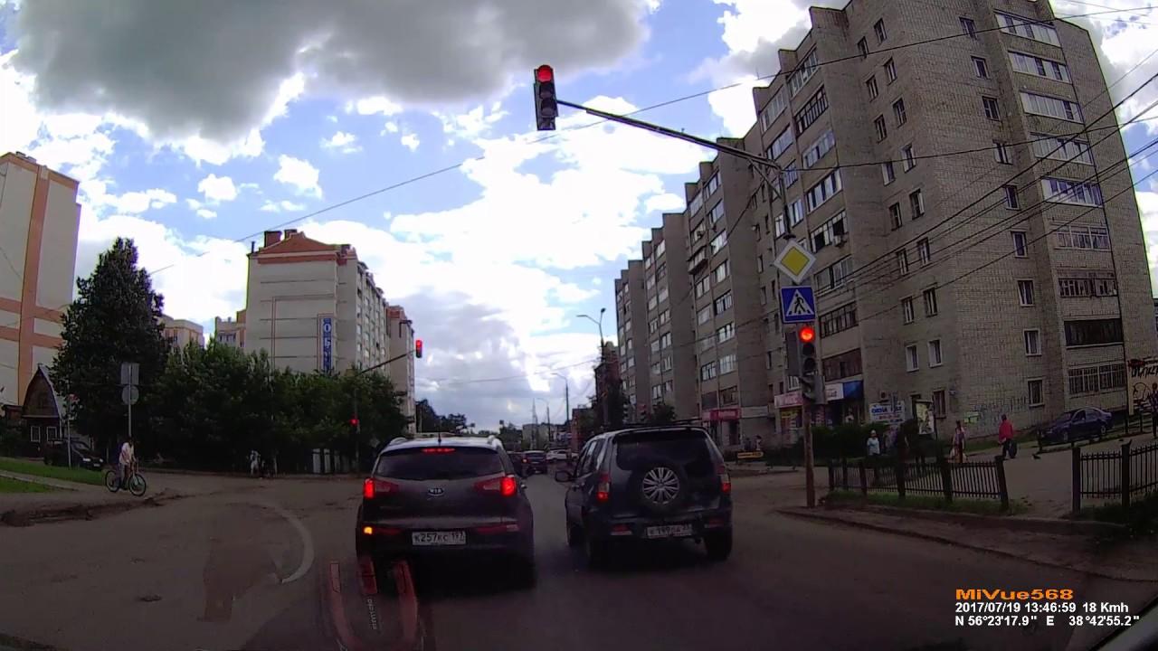 Пьяный таксист нырнул под встречный грузовик в Александрове