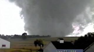 Columbus, Nebraska Tornado 6-23-1998  #2