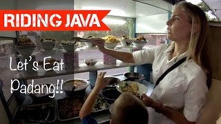 preview picture of video 'Eating at a Padang Restaurant in Yogyakarta'