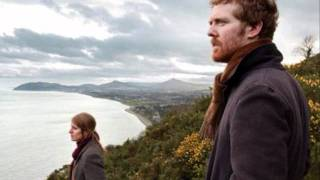 Falling Slowly - Glen Hansard and Markéta Irglová (lyrics)