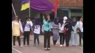 preview picture of video 'Indonesiaku CHeutar - De File XII-IPS 1 Porseni SMAN 1 Ciamis - 2013'