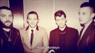 Tradução de Love Machine (Máquina de Amor) - Arctic Monkeys