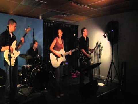 Funky Rhythm - Kelly Campos at Black Dot Showcase