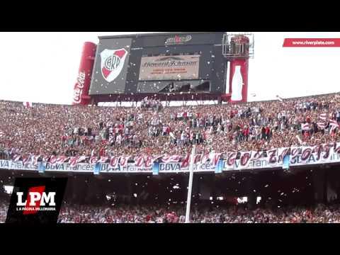 """""""Banderas negras ellos pusieron - River vs. Boca"""" Barra: Los Borrachos del Tablón • Club: River Plate"""