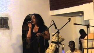 اغنية للفنانة رشا شيخ الدين فى بيت الفنون ببحرى تحميل MP3