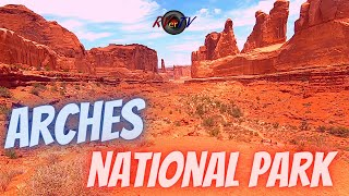 Arches National Park - Scenic Views - Park Ave Trail