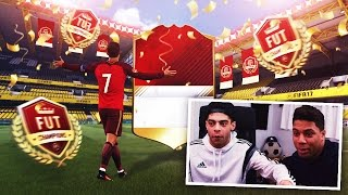 OMG ELITE PACKS AND A WALKOUT!! FIFA 17 FUT CHAMPIONS WEEKLY REWARDS