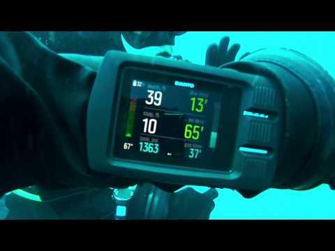 Suunto Dive Computer the EON Steel underwater