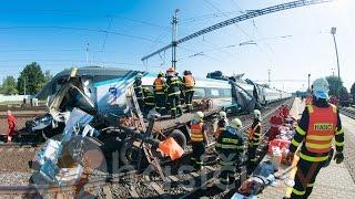 HZS MSK: Ve Studénce se střetlo Pendolino s nákladním automobilem, dvě osoby zemřely