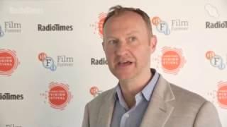 Mark Gatiss parle de son épisode à venir et son futur dans Doctor Who