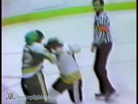Bobby Schmautz vs. Gary Sargent