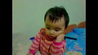 Ребенок ругается по телефону