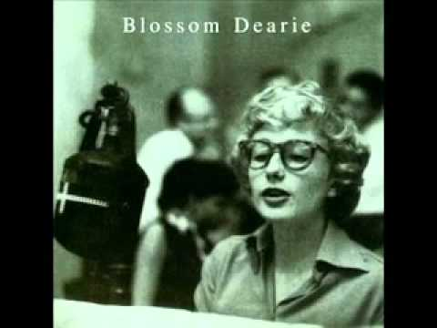 Plus je t'embrasse (Song) by Blossom Dearie