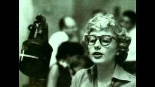 Blossom Dearie - Plus je t'embrasse