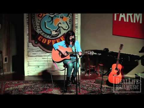 Emily Cole live at Dosey Doe Music Cafe