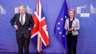 Boris Johnson told off by Ursula von der Leyen for not wearing face mask before crucial Brexit talks