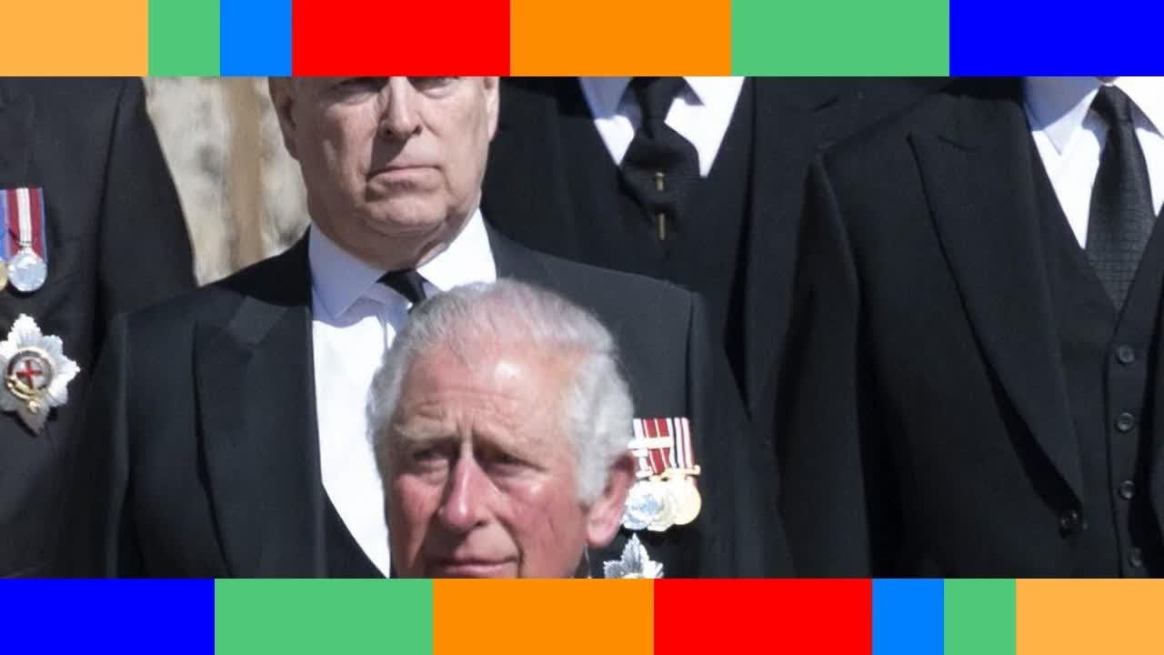 Prince Andrew accusé de viol  ce dîner avec son frère Charles qu'on lui a interdit