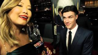 "PopStop TV - ""Finn Wittrock Talks Getting Naked With Lady Gaga, Sex & Blood"" (04/10/2015)"