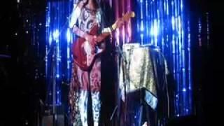 CIBELLE SINGS 'MEU CAOZINHO XUXO' at BISTROTHEQUE IN LONDON