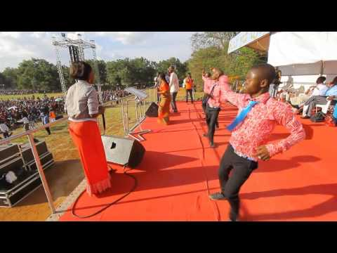 Download Flora Mbasha Live Performance Morogoro HD Mp4 3GP Video and MP3