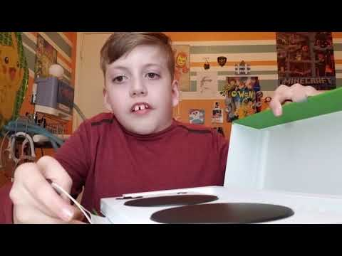 Owen Explains The Packaging of the Xbox adaptive controller