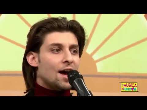 Emanuele Ottaviano-Italiano e Folk Napoletano Canta Napoli e Musica Italiana Vigevano musiqua.it