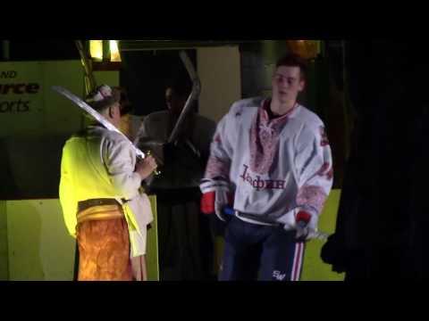 Канадские хоккеисты сыграли матч в вышиванках
