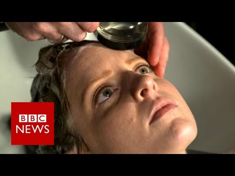 The Salon: First cut since chemotherapy - BBC News