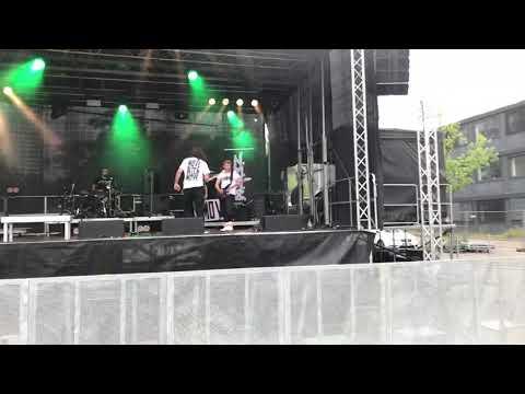 """HHU - Gruppe """"NMAC"""": hammerhart beim Sommerkult Festival 2018"""