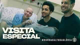 Jogadores visitam Hospital Pequeno Príncipe