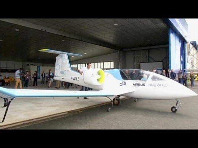 طائرة كهربائية 100% تقوم بأول رحلة تجريبية لها
