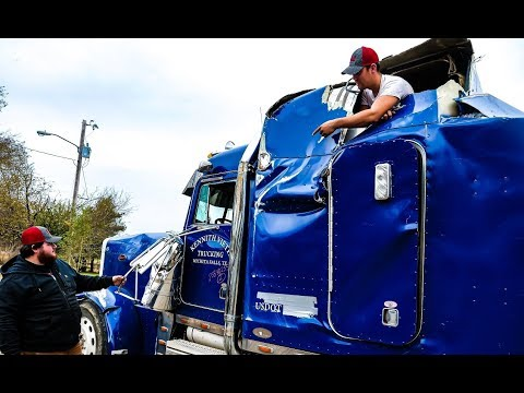 How bad is our Wrecked 379 Peterbilt Semi Truck?