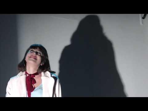 Προεσκόπηση βίντεο της παράστασης Το κορίτσι του λύκου.