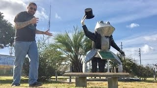 TDW 1655   The Frog Capital Of The World !