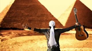 تحميل اغاني عمرو مصطفى يبدع في صنع لحن MP3
